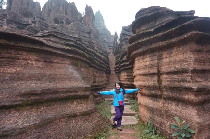 感受芙蓉镇之古韵,欣赏红石林之俊秀,挑战坐龙峡之险峻