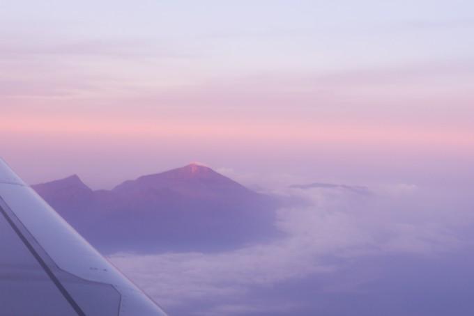 紫色白云天空素材