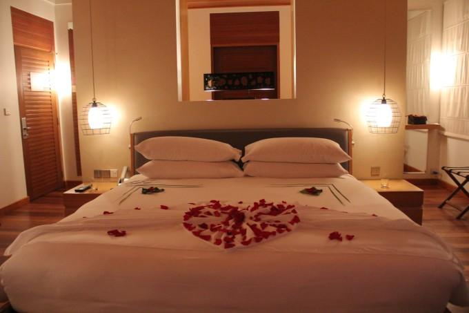 背景墙 房间 家居 酒店 设计 卧室 卧室装修 现代 装修 680_453