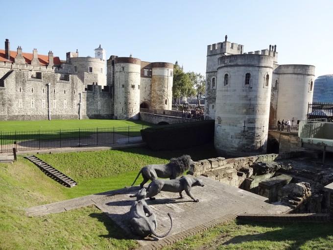 伦敦塔在英国王宫中的意义非常重大