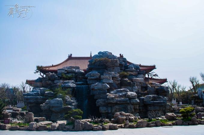三仙山风景区位于山东省蓬莱市北端的黄海之滨