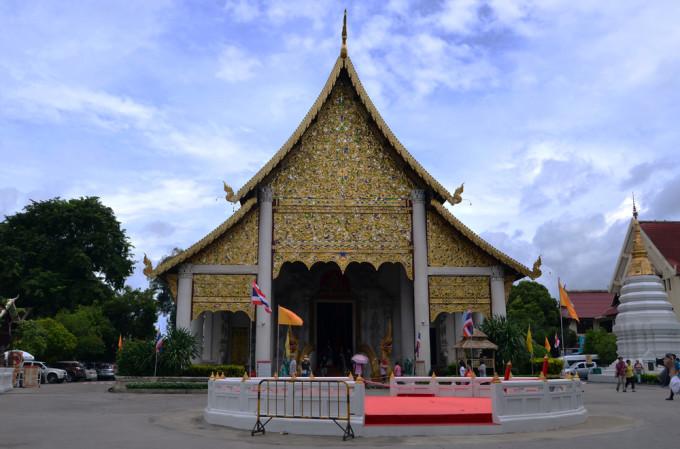 泰国印象(9)清迈大塔寺掠影