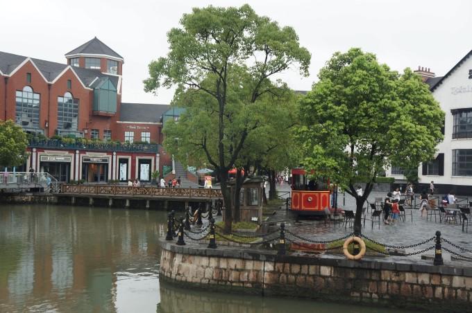 上海松江二日游 - 游泰晤士小镇